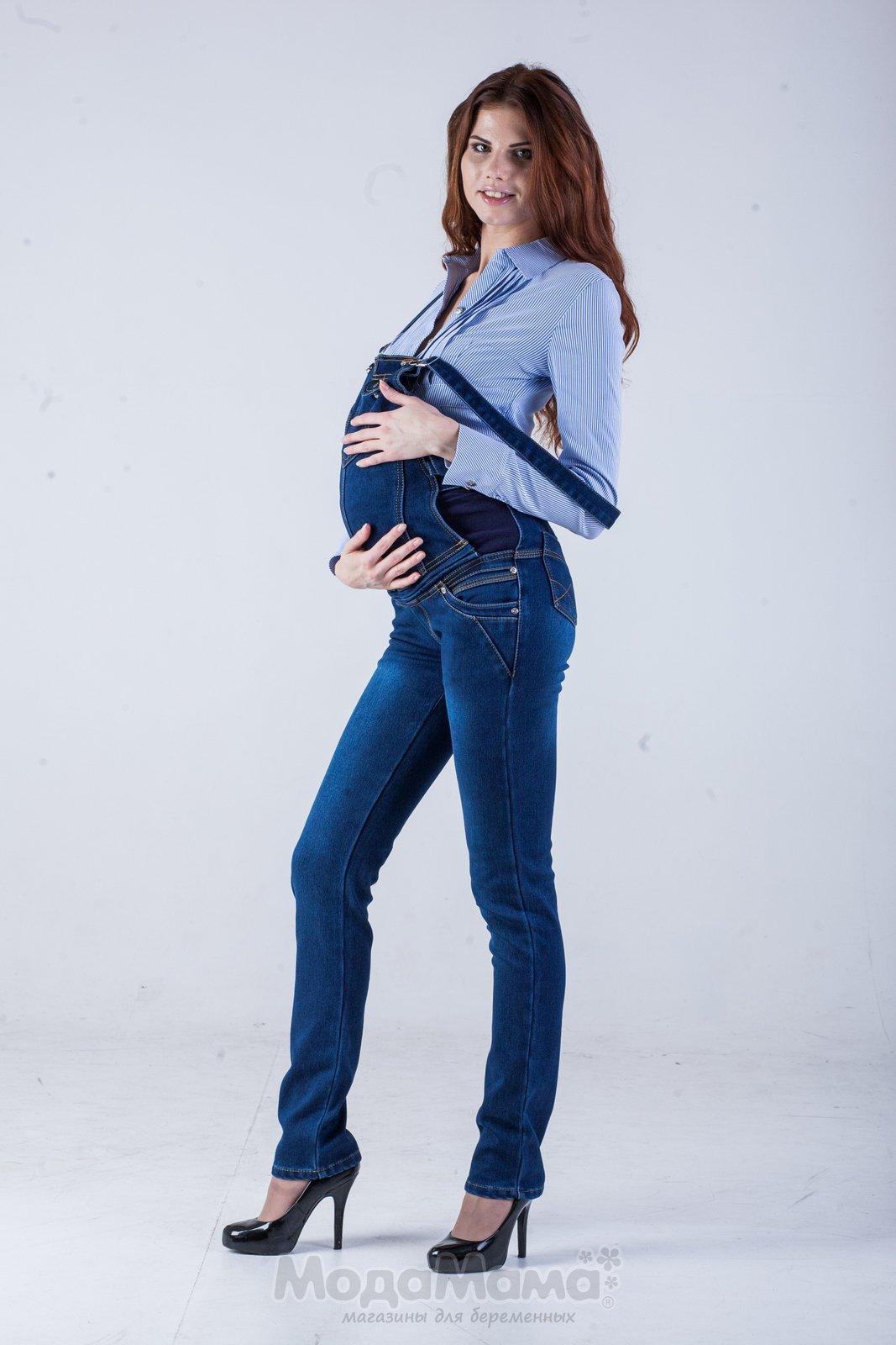 С чем носить джинсовый комбинезон беременным
